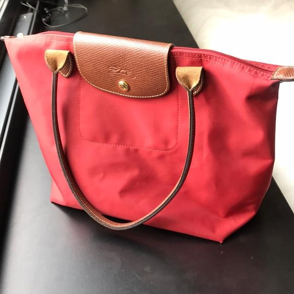 a2175b32895f Longchamp Handbags - Authentic Longchamp Medium Shopper